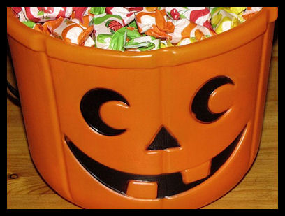 Typical Halloween candy bucket By Petey21 (Own work) [CC0], via Wikimedia Commons