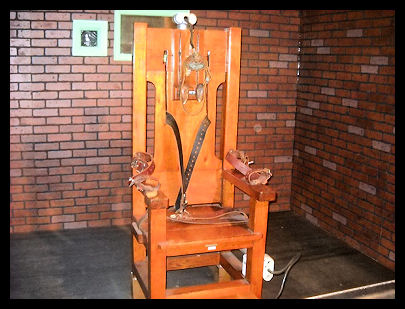 Old Electric Chair - since been replaced by Lethal Injection - Pixabay