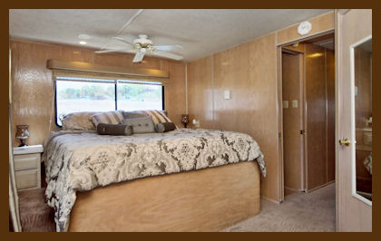 VIP Lake Travis Houseboat Bedroom photo courtesy of VIP Rentals
